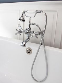 Contemporary   Bathrooms   Domicile Interior Design : Designer Portfolio : HGTV - Home & Garden Television#//room-bathrooms#/id-2443#/id-2436#/id-2309#/id-2306#/id-2296