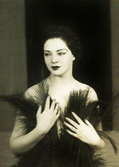 Lovely... burlesque dancer Zorita in her first formal photograph 1936