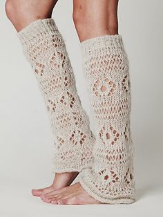 Lace legwarmers under boots! I want some...