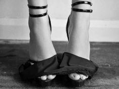 Sexy. #sexy #heels #dearsweetness