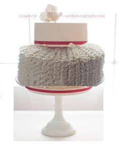 if my two favorite wedding cake designs had a baby, this is what it would look like! we're going to try this for next week's cake baking extravaganza!