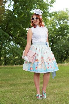 I SO want to put together an ensemble like this for summer tea parties!! LOVE it!!!