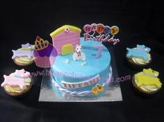 http://houseofroyalvelvet.com/dog-cake-for-tiffani/