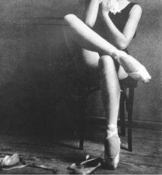 ballet toe, ballet pictures, ballet dancers, dream, white, legs, ballet shoes, portrait, black