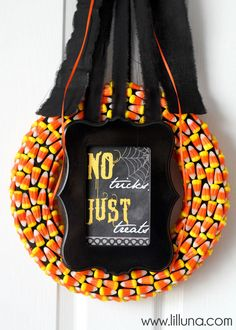 Candy Corn Wreath - Fun Halloween Decoration - includes free printables!!
