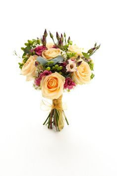 #Wedding bouquet ideas #flowers #pretty http://www.weddingandweddingflowers.co.uk/article/400/lookbook-wedding-bouquets