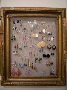 earring holders, organize jewelry, diy jewelry, a frame, old frames