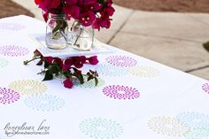 Easy Spring DIY tablecloth--great for gifts or weddings
