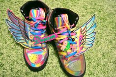 Detachable wings for shoes.