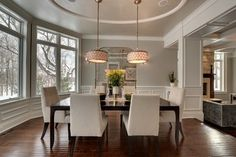 Traditional Dining  Clean & Simple