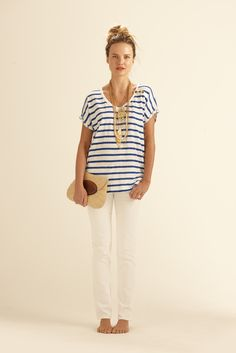 loose strip tee and white denim