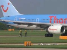 ThomsonFly 757 bird strike & flames captured on video - YouTube