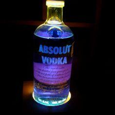 Lampara de lava con botella de vodka