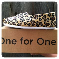 DIY Leapord Print Toms.. I want these....