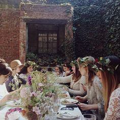 emersonmerrick Dream day hosting a @Nathan Mallonee Mallonee Mallonee Mallonee Williams | Kinfolk flower class in my favorite secret garden.