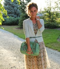 KristinaJ.: LOVE this woman's blog!! she's a modest clothing designer AND creator!!! her ideas are flawless!