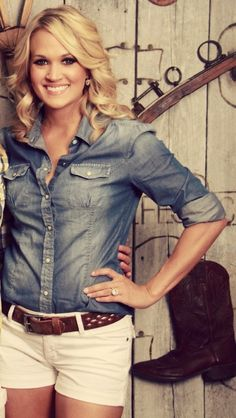Carrie Underwood Country Style - love the denim shirt with white shorts