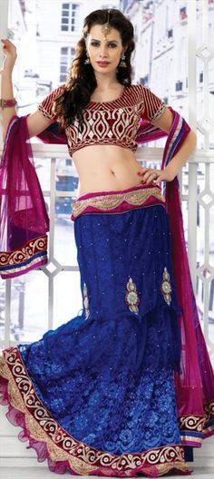 119579: Lehenga-choli goes a bit more sexy! With #layers & #frills adding the girly touch.