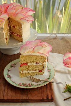 White Chocolate Rose Cake byjoythebaker: Showstopper! #Cake #Rose #Strawberry