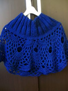 Mini poncho de trico e crochê.