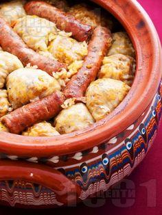 Коледна капама със зелеви сарми, свинско и телешко месо - снимка на рецептата