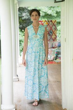 Sewing inspiration, I would love to make this beautiful dress! ♥