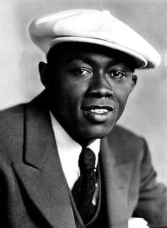 THE EVER CONTROVERSIAL ANDREW PERRY AKA STEPIN FETCHIT.He was very handsome, but you couldn't tell by his movie roles....