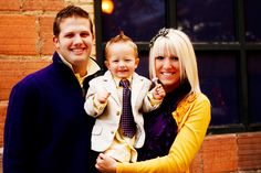 What to wear for your family photos.... gonna follow these ideas for out Christmas photo