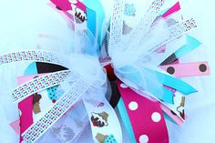 Blog all about how to make different kinds of bows... SO cute!