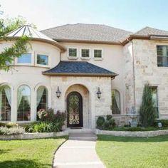 #Dallas homes. Very pretty. Love the stone   ⭐ MY BLOG: www.ditatime.weebly.com  ⭐ FB: www.facebook.com/DitaTime