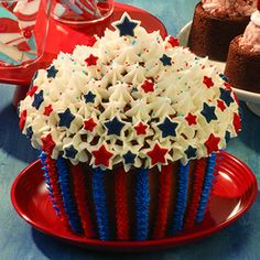 Patriotic Cupcake Cake...I Have This Giant Cupcake Pan...Will Have To Make