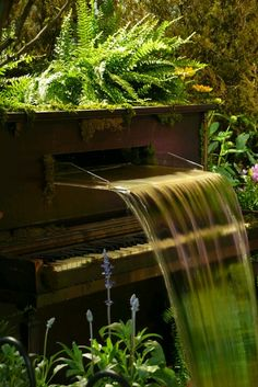 Reused piano into a water fountain