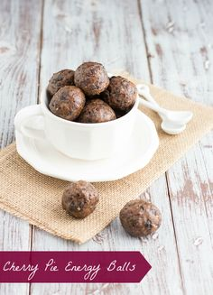 Ingredients 1/2 c toasted pecans 2 tablespoons flaxseed meal 1 c dried cherries 1/2 c almond butter 1 tablespoon agave 1/4 teaspoon vanilla extract 2 tablespoons mini chocolate chips