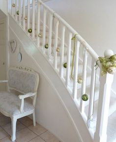 holiday, decorating ideas, christmas decorations, ornament, christma decor, christmas stairs, stair decor, outdoor stairs, christmas staircase