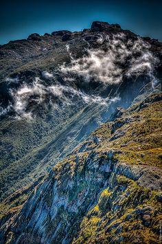 Pico das Prateleiras, Itatiaia National Park - Rio de Janeiro, Brazil by Edgar de Brito, via Flickr