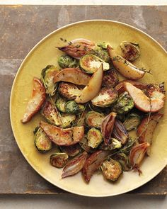 Roasted Brussels Sprouts with Pears  #lowcarb #brussels