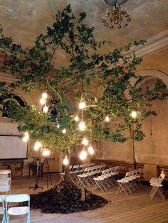 Plumen Lightbulb tree