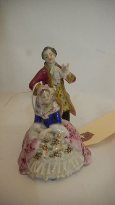 A Dresden German Porcelain Figural Group : Lot 135