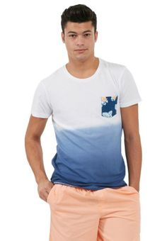 Step out looking stylishly cool and chic this summer in this lain t-shirt by !SOLID. Available via www.namshi.com now!