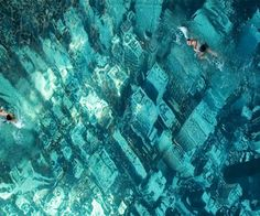 HSBC swimming pool in Mumbai, India. The floor of the pool has a giant aerial photograph of the New York City skyline.