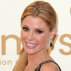 """Julie Bowen: Lit From Without - 2014 Emmys """"Makeup artist Heather Currie created Julie's award-winning glow by using Votre Vu Tragic Magic Rescue Crème all over, then dabbing Votre Vu Luxee Yeux Eye Beauty Balm high on her cheekbones for an added touch of luminescence."""""""