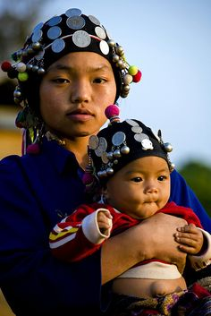 Young Mother, Luang Namtha, Laos | © KS Chew
