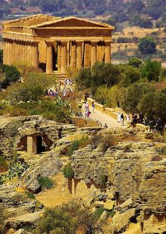 Temple of Concord, Sicily (440 BC-430 BC).  (Valley of the Temples: Vaddi di li Tempri) Archaeological site in Agrigento, Sicily, an example of Greek architecture and art and a main Sicilian attraction (UNESCO Heritage Site)