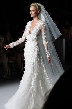 Pronovias bride dresses 2014 // Abiti da sposa Pronovias 2014  MORE: www.ireneccloset.com