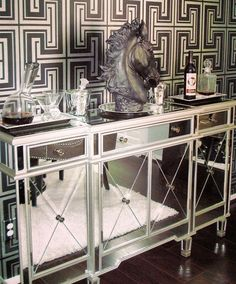 Our Borghese Mirrored Buffet & Slant Decanter are so chic and stylish in @rscottharmon's home! Photo: @pacelikeversace
