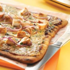Barbecued Chicken Pizza. Uses a refrigerated pizza crust to save time! Quick, easy and delicious!!