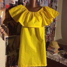 Платье с воланом на плечах сшить своими 52