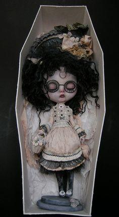 doll factori, dark dolli, ozz doll, blythe dolls, julien martinez