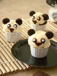 Movie treats for your Kung Fu Panda movie party soutdoorcinema diy ideas, panda cupcak, birthday treats, ice cream cupcakes, snack, panda parti, kung fu panda, panda party, ice cream cones