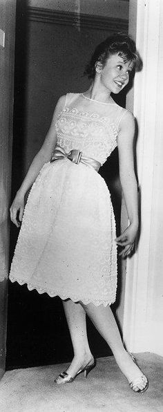 Hayley Mills... I adore this dress!